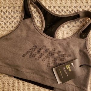 NWT💞NIKE MEDIUM SUPPORT VICTORY BRAS💞